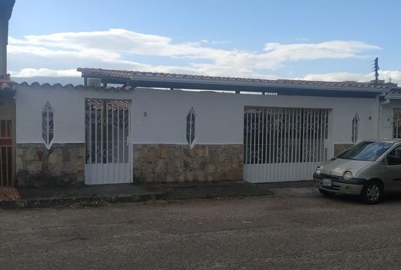 Bella Casa Urbanización Los Naranjos En San Cristobal