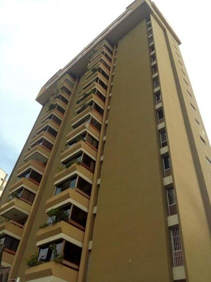 Apartamento En Venta La Urbina Caracas