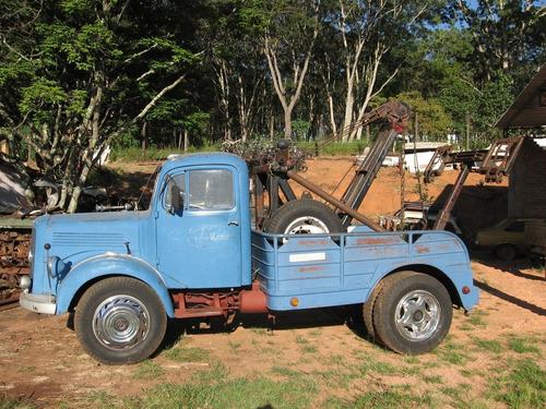 Imagem 1 de 9 de Caminhão Guincho Mercedez 1951