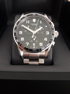 Reloj Victorinox Swiss Army Chrono Classic Black Dial Watch