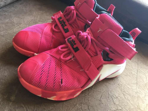 Tênis 35 Nike