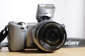 Câmera Mirrorless Sony Alpha Nex-5t + Lente E-mount 16-50mm