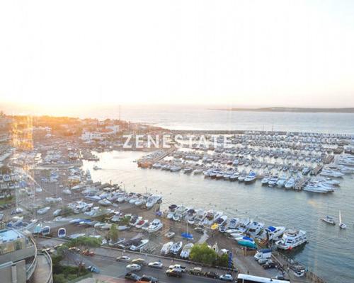 Estupenda Vista Al Puerto, Con Servicios Y Pileta