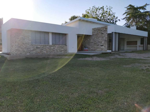 Casa Villa Allende Golf Muy Comoda