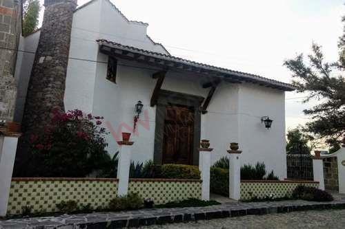 Oportunidad, Casa En Atractivo Destino Turístico, Fraccionamiento Exclusivo Villa De Los Frailes, San Miguel De Allende, Negocio Acreditado.