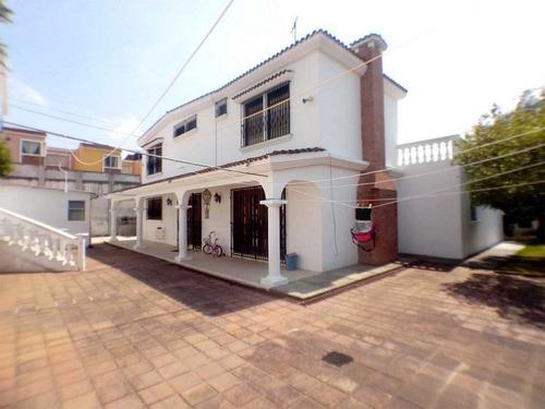 Imagen 1 de 3 de Casa En Venta Hecha Como Una Mansión En San Cristobal
