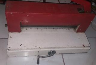 Guilhotina Semi Industrial 300 Folhas Com 38cm De Boca