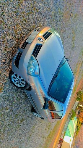 Imagem 1 de 7 de Renault Clio Sedan 2008 1.6 16v Expression Hi-flex 4p