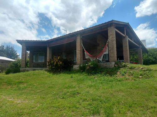 Imagen 1 de 13 de Casa En Siquiman Con Vista Al Lago, Pileta Y Gran Terreno