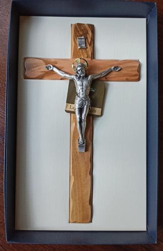 Imagen 1 de 8 de Cruz Crucifijo Madera Olivo Y Cristo Metal Italiano 28 Cm