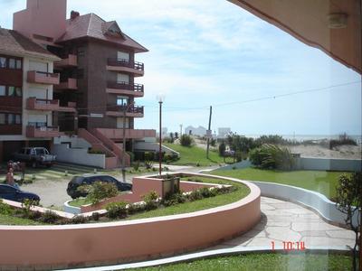 Villa Gesell - Departamento De Categoría A Metros Del Mar