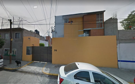 Casa De Remate Bancario. Sta Marta Acatitla. Iztapalapa.