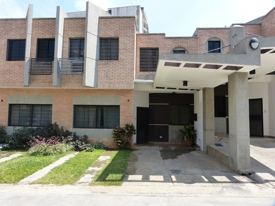 Townhouses En Venta Cod, 418267 Eucaris Marcano 0414010444