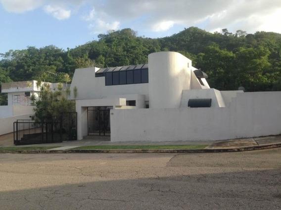 Moderna Casa De 2 Niveles En Venta En Prebo I I I