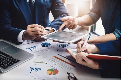 Consultoria Financeira E De Mercado