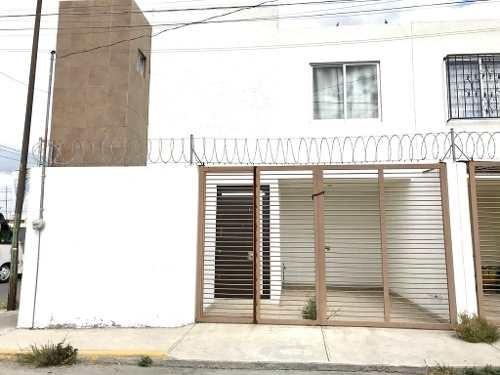 Casa En Renta Cerca Zona Angelóplis Y 11 Sur, Lomas De Castillotla