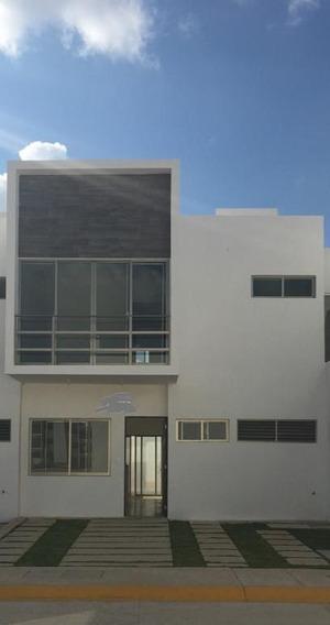 Casa Avenida Huayacan.- Astorias.