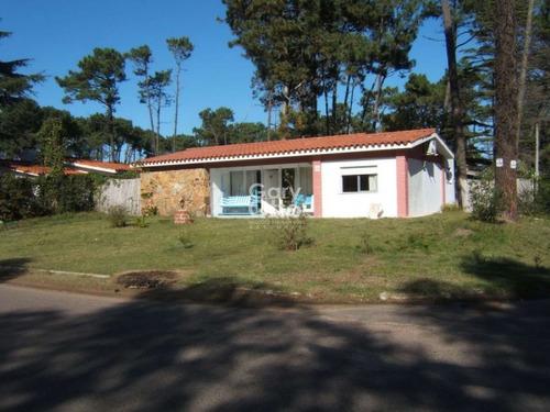 Casa En Venta  3 Dormitorios- Ref: 5212