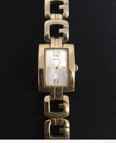 Relógio Guess Dourado Original Seminovo Funcionando