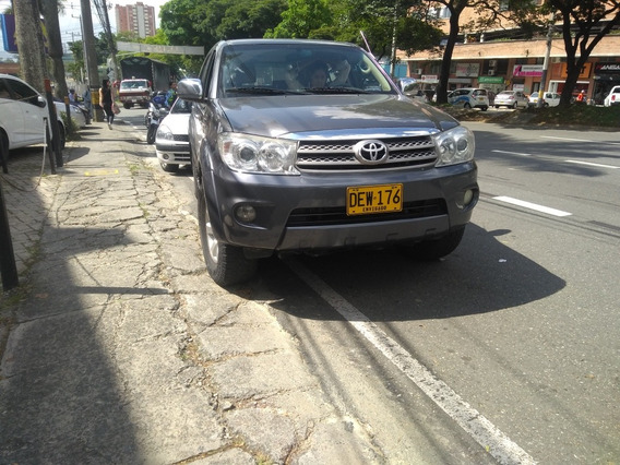 Toyota Fortuner Urban