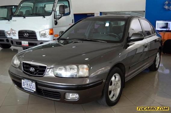 Hyundai Elantra 2.0 Lg - Automático