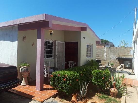 Casa En Venta En Lomas De Maracaibo