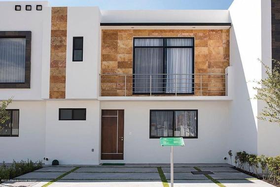 Casa En Venta En El Condado, Corregidora, Rah-mx-20-601