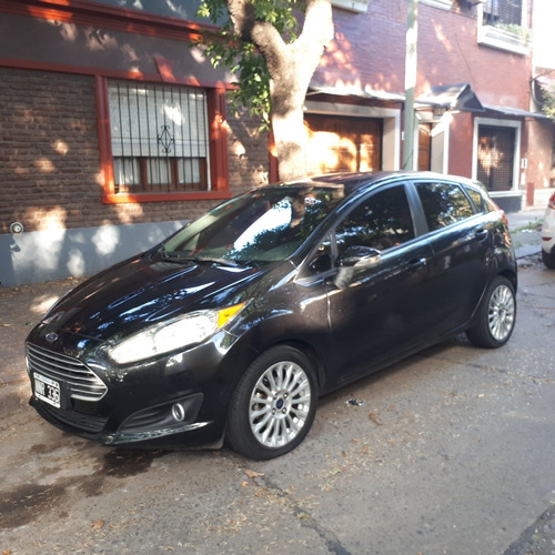 Ford Fiesta Kinetic Design 1.6 Sedan Se Plus 120cv 2014