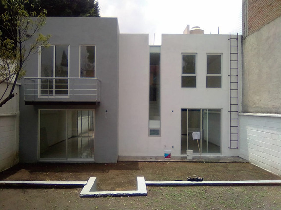 Casa Nueva Con Jardín En Venta En Viveros De La Loma.
