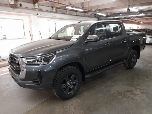 Toyota Hilux 2.8 Cd Srv 204cv 4x2 Aut 2021 0km