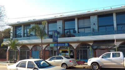 Local Comercial Sobre Transitada Avenida 30 M2