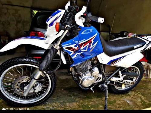 Imagem 1 de 6 de Yamaha Xt 600