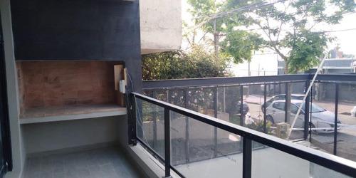Apartamento 1 Dormitorio Primer Piso Al Frente, Terraza, Parrillero