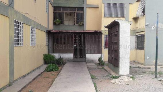 Apartamento En Alquilereste De Barquisimeto 21-3565 F&m