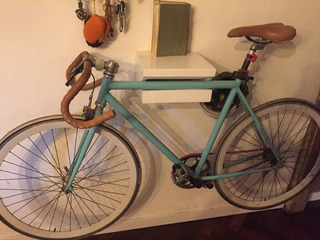 Bicicleta De Carrera Vintage Restaurada Rodado 28 Con Casco