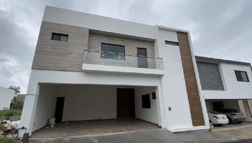 Casa En Venta Nueva Col. Valle Del Cristal, Carretera Nacional, Monterrey, N.l.