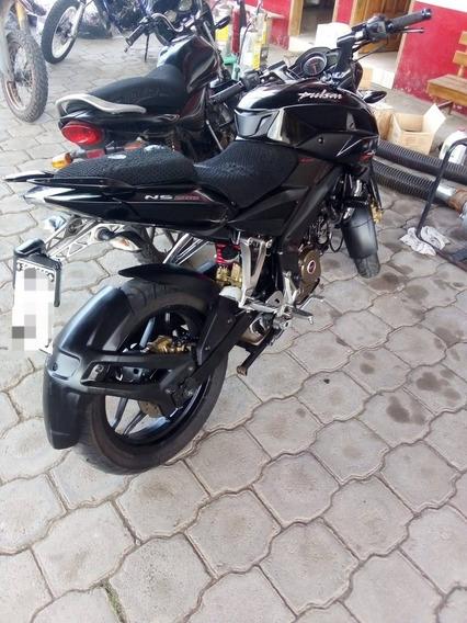 Motocicleta Ns 200