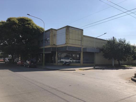 Importante Esquina Sobre Avenida Colon - Tucuman