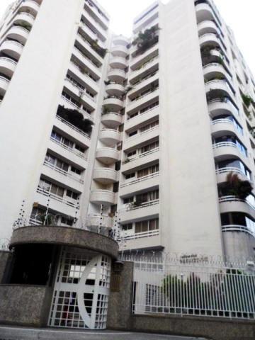 Excelente Apartamento, Buena Ubicacion, Posee 3 Habitaciones