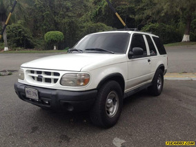 Ford Explorer Sport Wagon 4x4