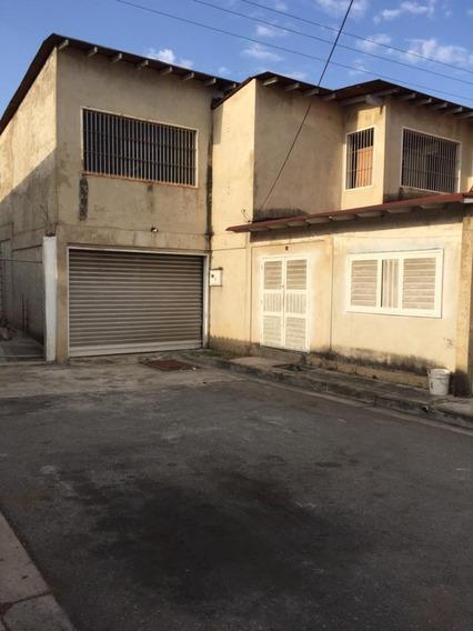 Casa En Venta Montaña Fresca / Roxana Dugarte 04243339669