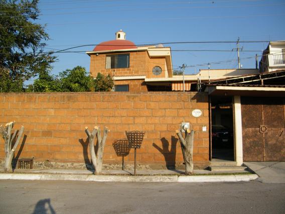 Excelente Casa En Burgos