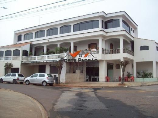 Prédio Comercial E Residencial - 995