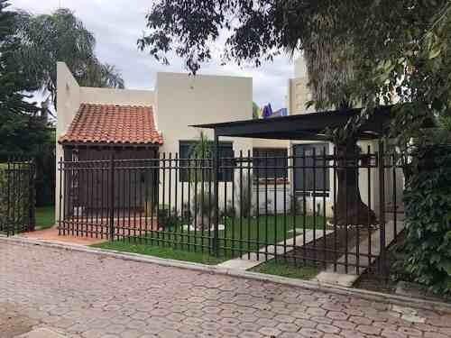 Preciosa Casa En Fraccionamiento Cerrado Exclusivo !