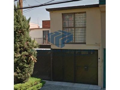 Bonita Casa En Lomas Estrella ( Remate Bancario)
