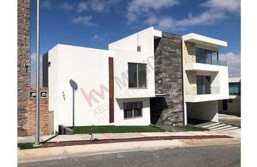 Casa En Venta Con Entrega En Octubre, Club De Golf La Loma, Privada Palmiras L-81, M-xv, San Luis Potosí $6,950,000.00