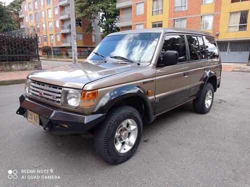 Mitsubishi Montero 1992 3.0 L146 Wagon