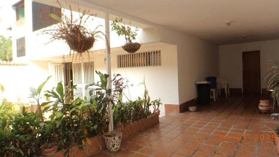 Casa En Venta Lomas De Prados Del Este Mls #20-859