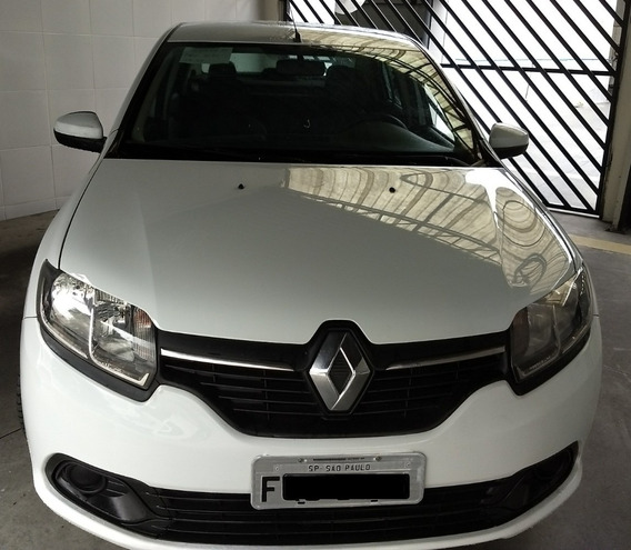 Renault Logan Expression 1.0 Com Media Nav