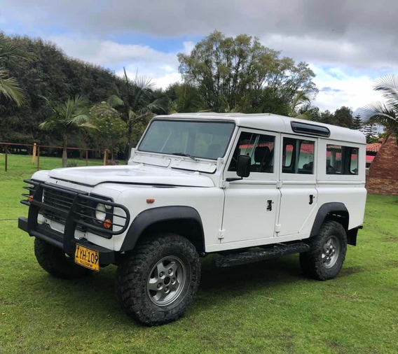 Land Rover Defender County 110